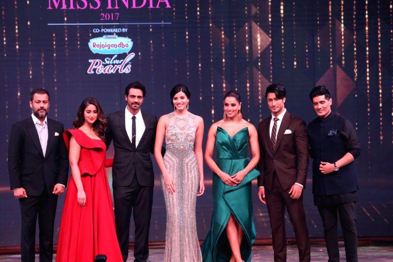 fbb femina Miss India 2017 - Arjun Rampal, Bipasha Basu, Ileana D'Cruz, Abhishek Kapoor and Manish Malhotra