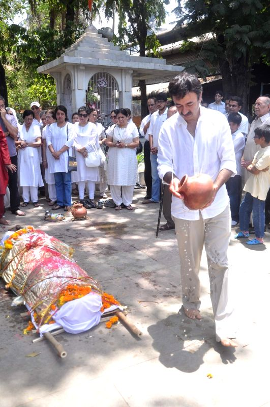 Director Rajkumar Hirani at Rajkumar Hirani's father's funeral Municipal Hindu Cemetery in Santacruz Mumbai, India.