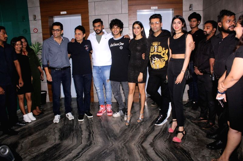 "Director Shashank Khaitan, filmmaker Karan Johar, actors Ishaan Khatter, Janhvi Kapoor along with her sister Khushi Kapoor during the success party of their film ""Dhadak"" in Mumbai ... - Ishaan Khatter, Janhvi Kapoor, Karan Johar and Khushi Kapoor"
