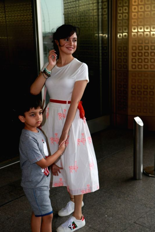 Divya Khosla Kumar spotted at Airport in Mumbai on June 6, 2017. - Divya Khosla Kumar