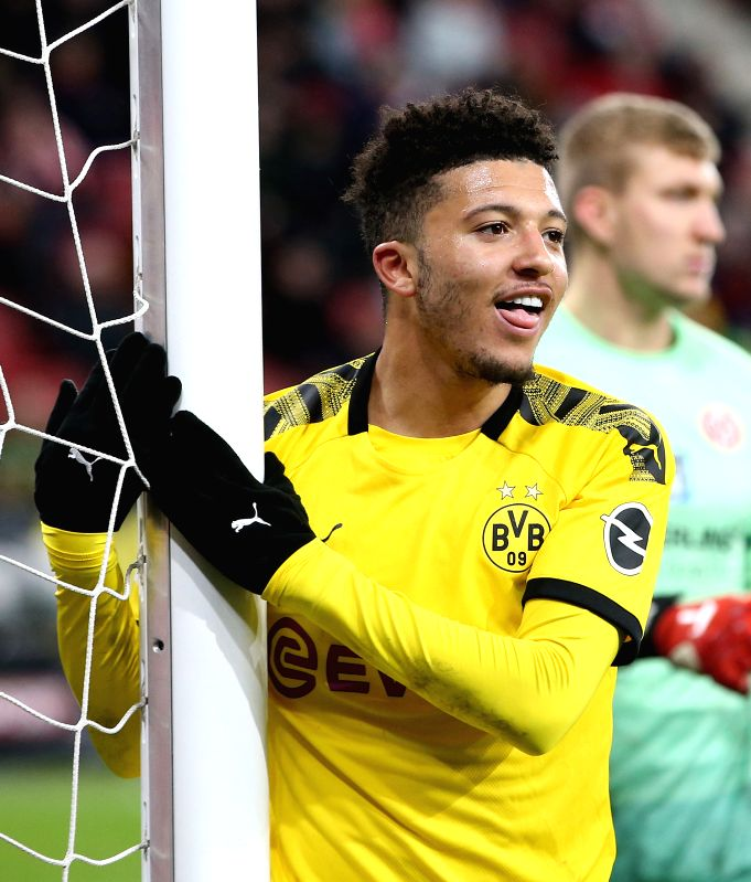 Dortmund, June 6 (IANS) Borussia Dortmund duo Jadon Sancho and Manuel Akanji have been fined by German Football League (DFL) for breaking stringent health guidelines to get haircuts at home.