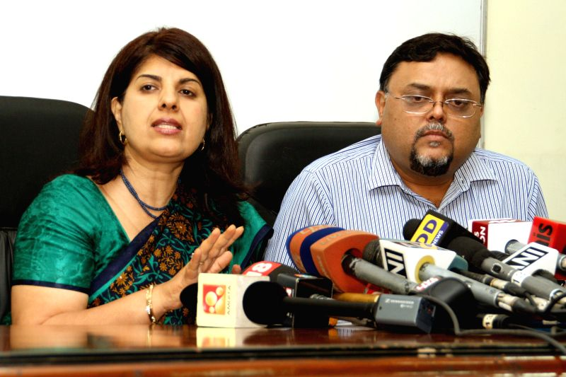 Dr. Neerja Bhatla and Dr Amit Gupta of All India Institute of Medical Sciences (AIIMS) address a press conference regarding controversy over the autopsy report of Sunanda Pushkar, wife of former ... - Shashi Tharoor and Amit Gupta