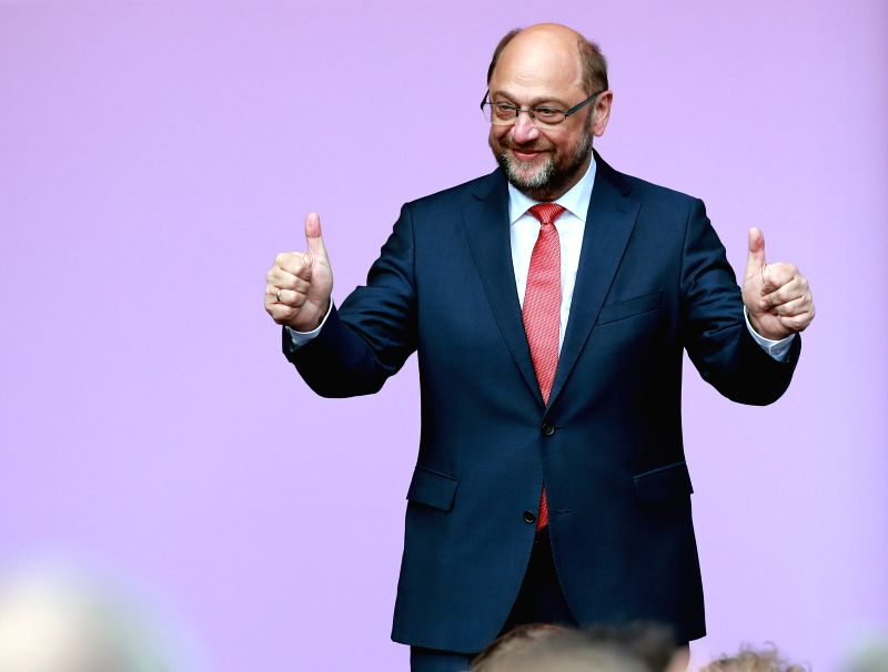 DUISBURG (GERMANY), May 12, 2017 Martin Schulz, leader of German Social Democrats (SPD), greets supporters at the final SPD campaign rally for the North Rhine-Westphalia state elections ...