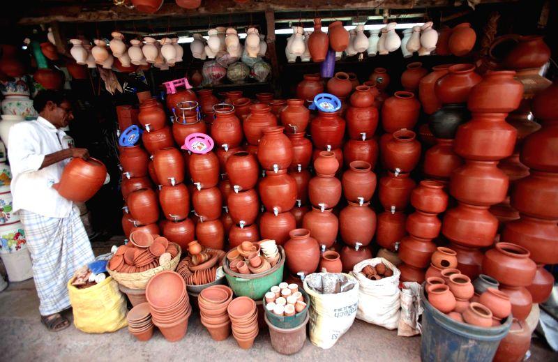 Earthen pots on sale in Mumbai as summers approach. (Photo: IANS)