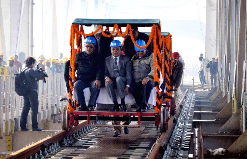 East Central Railway GM Madhuresh Kumar inspects Patna-Digha rail bridge on Dec 31, 2014. - Madhuresh Kumar