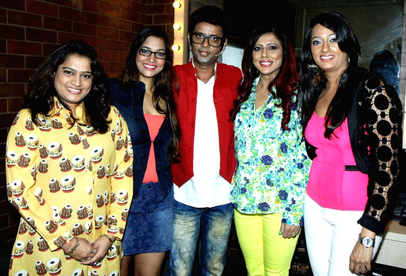 Ekta, Tanisha, Rehman, Tinaa and Brinda during the stand up comedy show Love,Sex and Politics at Canvas Laugh Club in Mumbai on Thursday, June 19, 2014.