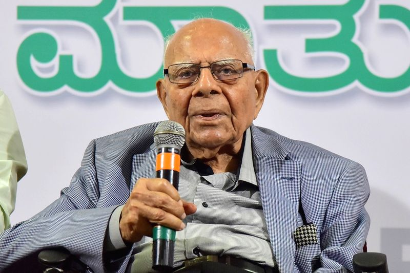 Eminent lawyer and MP Ram Jethmalani addresses a press conference in Bengaluru on May 7, 2018.(Image Source: IANS)