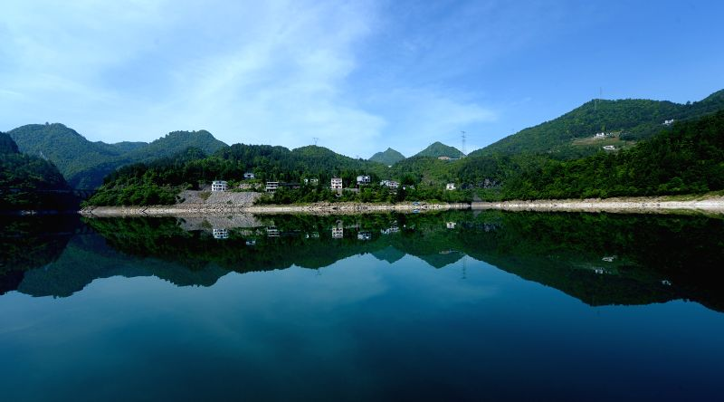 Photo taken on May 7, 2014 shows the scenery in Enshi Tujia and Miao Autonomous Prefecture, central China's Hubei Province.