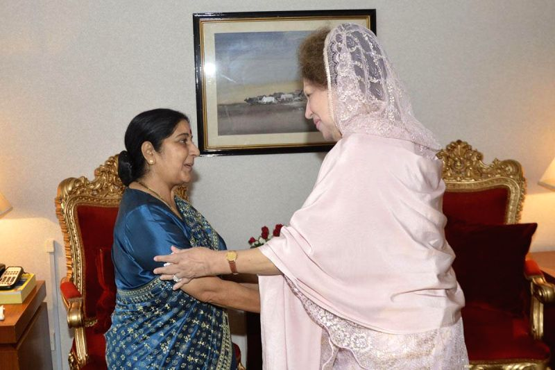 External Affairs Minister Sushma Swaraj during a meeting with BNP Chairperson Khaleda Zia in Dhaka, Bangladesh on June 27, 2014.