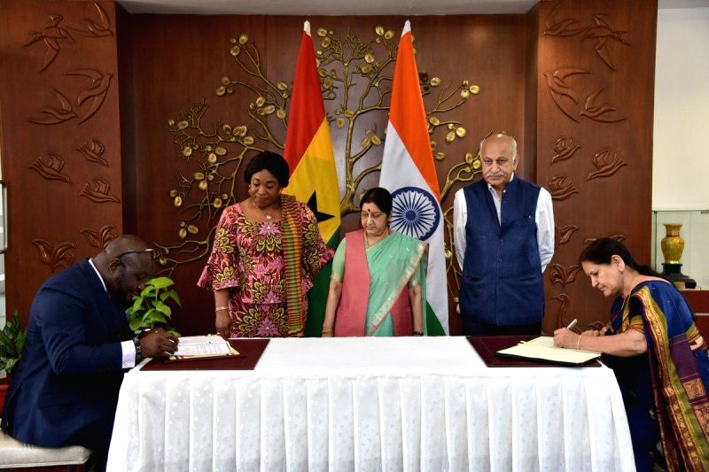 External Affairs Minister Sushma Swaraj, Ghana's Foreign Affairs and Regional Integration Minister Shirley Ayorkor Botchwey and MoS External Affairs M J Akbar witness the signing of MoUs, ... - Sushma Swaraj