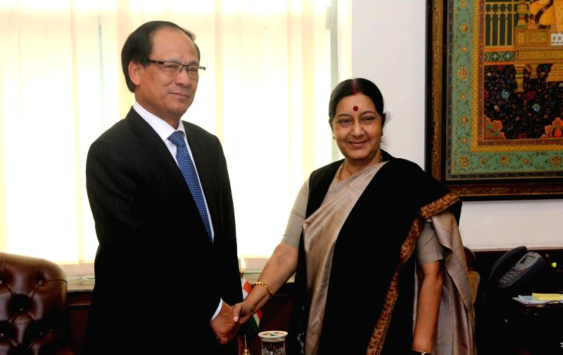 External Affairs Minister Sushma Swaraj meets Secretary General of ASEAN​, Le Luong Minh​ in New Delhi​​  on Dec 11, 2015.