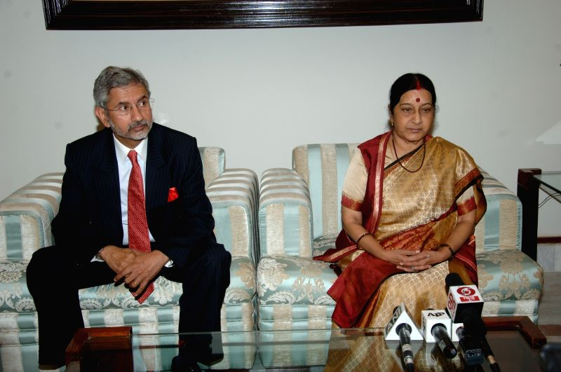 External Affairs Minister Sushma Swaraj talks to press at Islamabad, Pakistan on Dec 8, 2015. Also seen Indian Foreign Secretary S Jaishankar.
