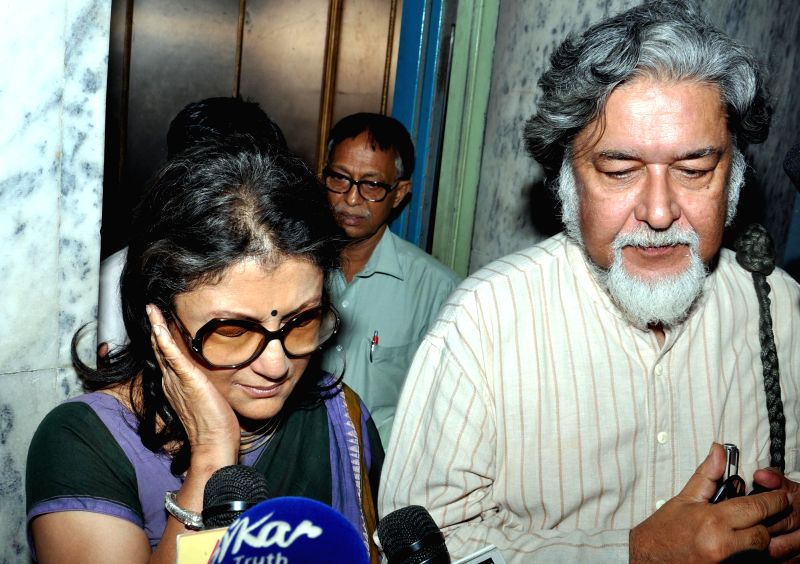 Famed actor-director Aparna Sen comes out after appearing before the Enforcement Directorate in connection with the multi-crore-rupee Saradha chit fund scam in Kolkata on Aug 18, 2014.