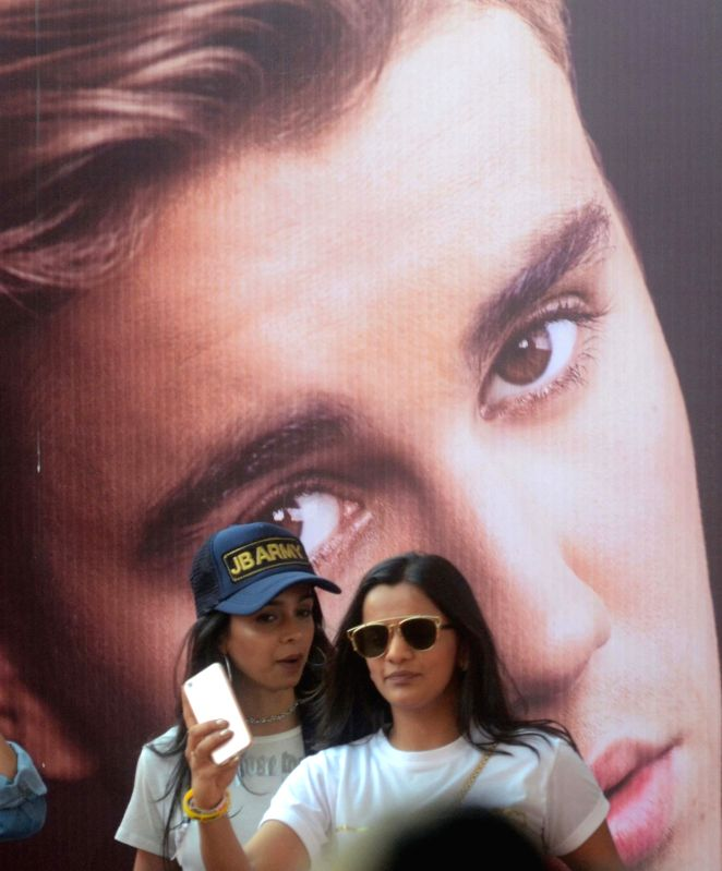Fans at D Y Patil Stadium where singer Justin Bieber is set to perform in Mumbai on May 10, 2017.