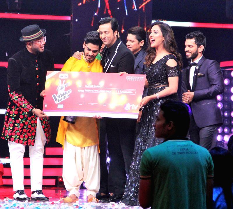 Farhan Sabir wins \'The Voice India.