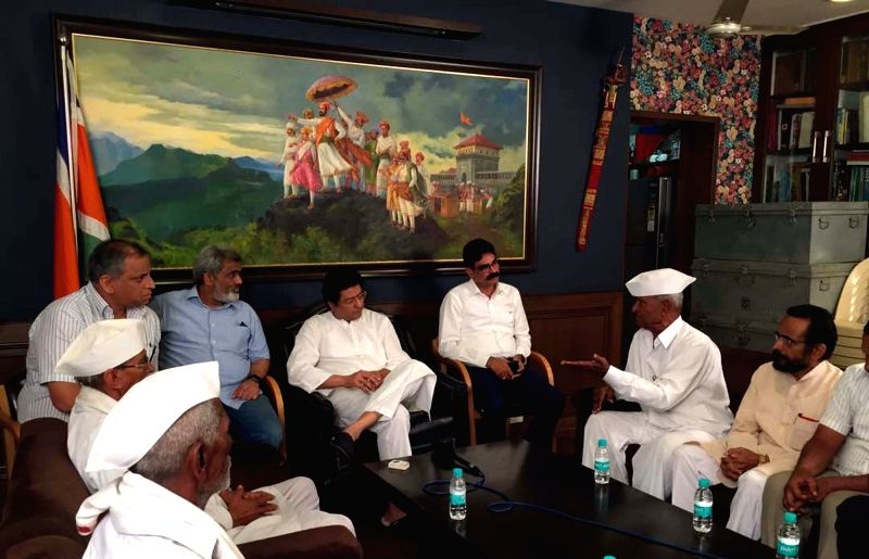 Farmers leaders comprised activists hailing from Puntamba in Ahmednagar district meets Maharashtra Navnirman Sena President Raj Thackeray at his resident in Mumbai on June 6, 2017.