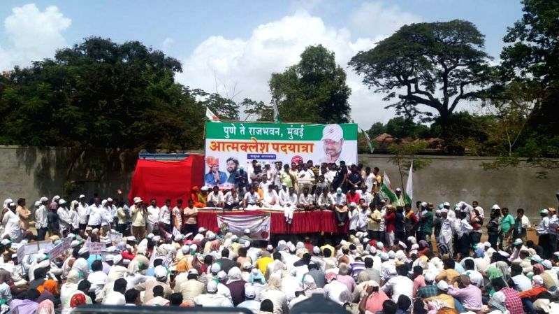 Farmers stage a demonstration to press for their demands in Mumbai on May 30, 2017.