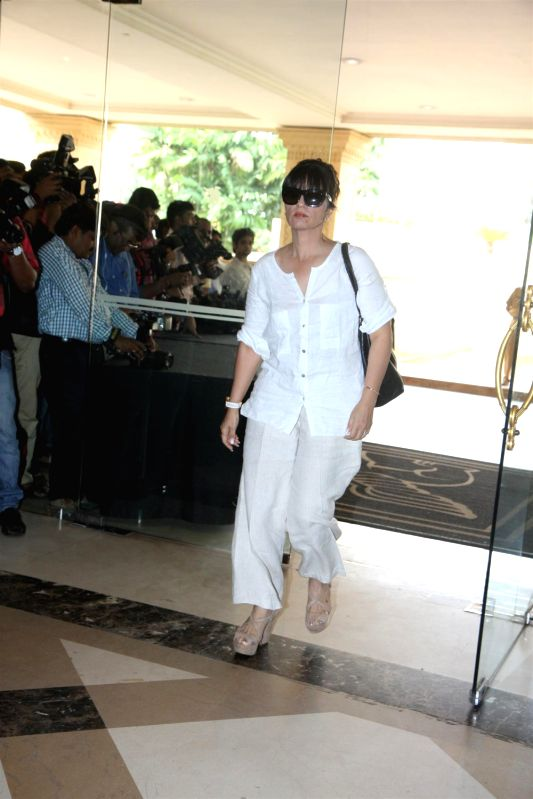 Bollywood Celebs Attend Condolence Meet Of Priyanka 39 S Father