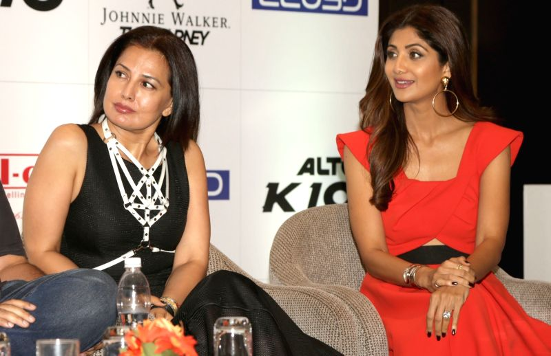 Fashion designer Ritu Beri and actress Shilpa Shetty during a press conference to announce the stars and superstars of social media, in New Delhi on Aug 10, 2016. - Shilpa Shetty