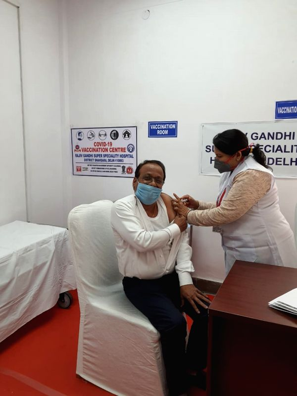 'Feeling elated after taking vaccine,' says Delhi's first healthcare worker who contracted coronavirus.