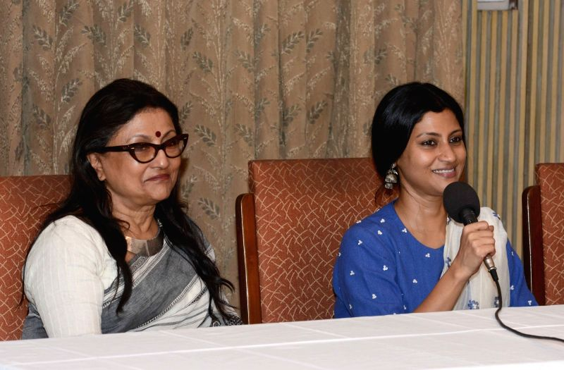 Filmmaker Aparna Sen with her daughter and actress Konkona Sen Sharma during a press conference in Kolkata, on May 28, 2017. - Aparna Sen and Konkona Sen Sharma