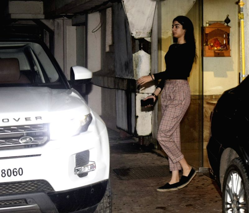 Filmmaker Boney Kapoor's daughter Khushi Kapoor arrives at Arjun Kapoor's residenc, in Mumbai on Aug 11, 2018. - Boney Kapoo, Khushi Kapoor and Arjun Kapoor