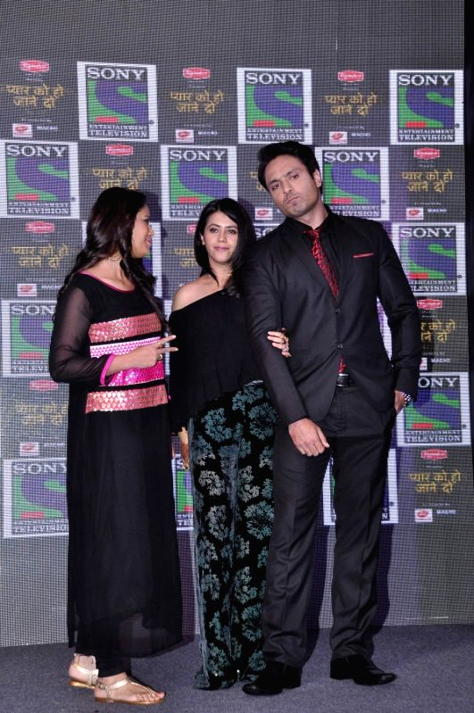 Filmmaker Ekta Kapoor with television actors Mona Singh and Iqbal Khan during the media interaction of new Sony TV serial Pyaar Ko Ho Jaane Do in Mumbai, on Oct 30, 2015. - Ekta Kapoor, Mona Singh and Iqbal Khan