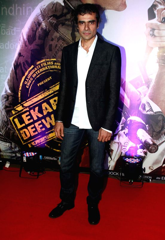 Filmmaker Imtiaz Ali during the premiere of film Lekar Hum Deewana Dil at PVR Cinemas in Mumbai, on July 3, 2014. - Imtiaz Ali