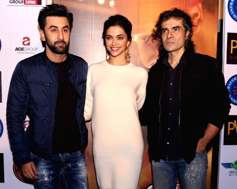 "Filmmaker Imtiaz Ali with actors Deepika Padukone and Ranbir Kapoor during a press conference to promote their upcoming film ""Tamasha"" in New Delhi, on Nov 23, 2015. - Imtiaz Ali, Deepika Padukone and Ranbir Kapoor"