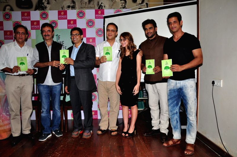Filmmaker Rajkumar Hirani, actor R Madhavan, Author Anushka Joshi,  filmmaker Vidhu Vinod Chopra, actor Sharman and screen play writer Abhijat Joshi during the book lunch of `If Time Thinks` in ... - Rajkumar Hirani, Anushka Joshi, Vidhu Vinod Chopra and Abhijat Joshi