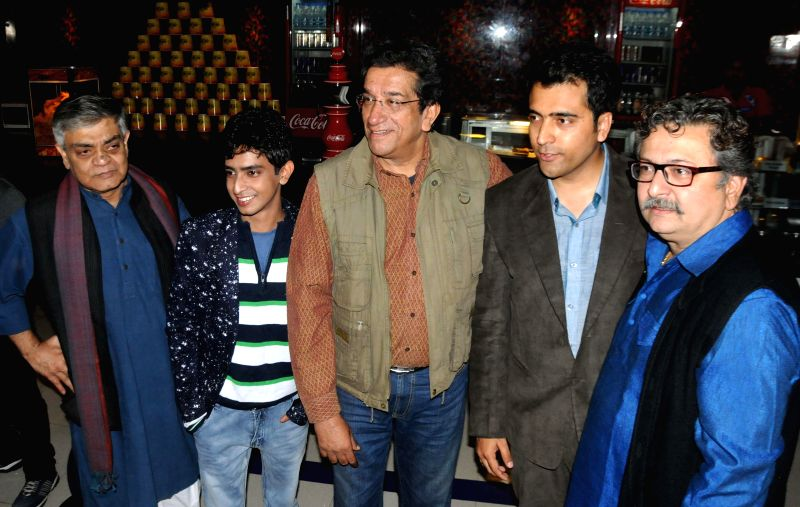 Filmmaker Sandip Roy with actors Sourav, Sabyasachi Chakrabarty, Abir Chatterjee and Bhorot Kal during ​the​ premiere of Bengali film `Badshahi Angti` in Kolkata, on Dec 19, 2014. - Sandip Roy, Sourav, Sabyasachi Chakrabarty, Abir Chatterjee and Bhorot Kal