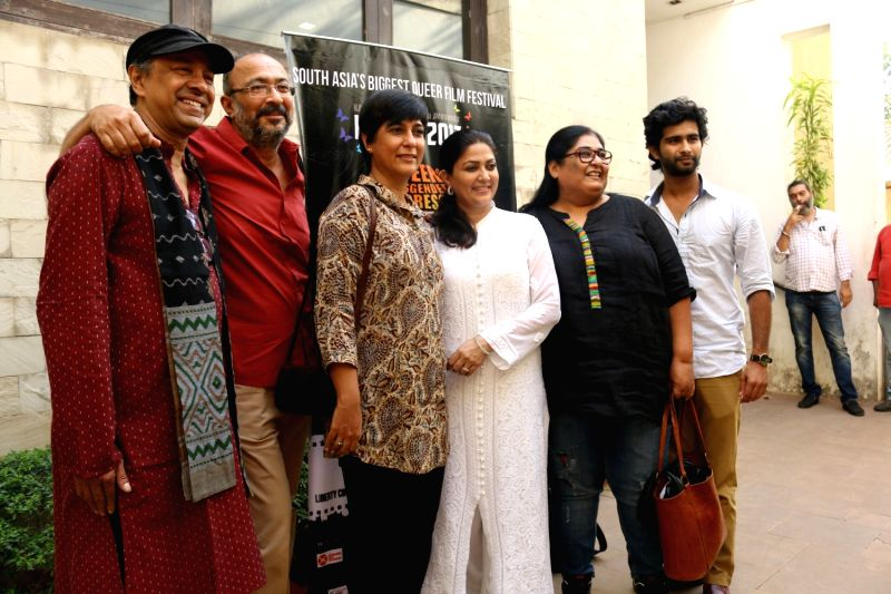 Filmmaker Sridhar Rangayan, screenwriter Anjum Rajabali, film editor Jabeen Merchant, Television actor Lubna Salim, Television Producer and writer Vinita Nanda and actor Siddharth Menon ... - Sridhar Rangayan and Siddharth Menon