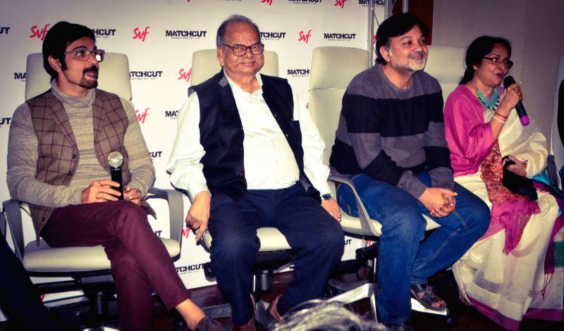 Filmmaker Srijit Mukherji with actors Prosenjit Chatterjee, Abir Chatterjee, Jisshu Sengupta and Mamata Shankar during a press conference in Kolkata, on Jan 29, 2018. - Srijit Mukherji, Prosenjit Chatterjee, Abir Chatterjee, Jisshu Sengupta and Mamata Shankar