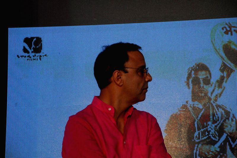 Filmmaker Vidhu Vinod Chopra during the launch of second poster of film PK in Mumbai, on Aug. 20, 2014. - Vidhu Vinod Chopra