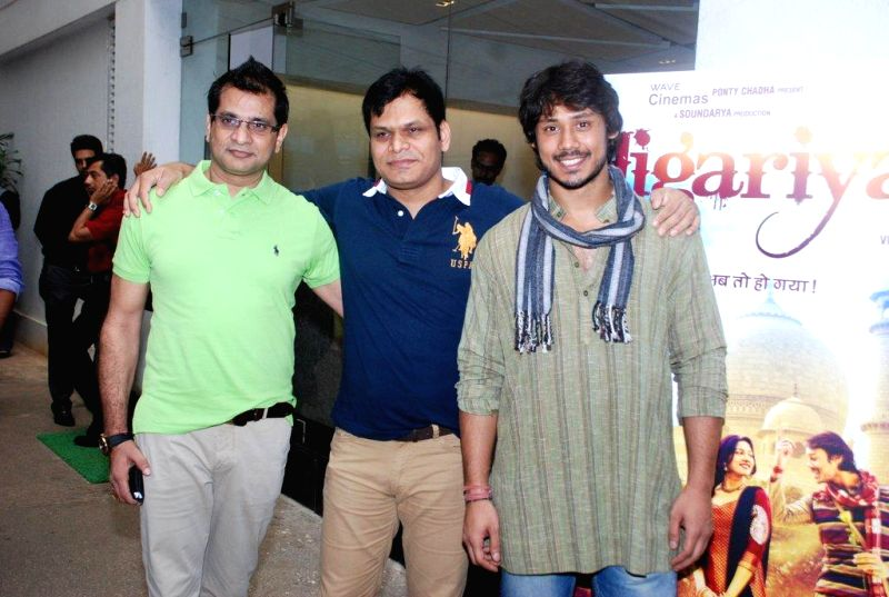 Filmmakers Vinod Bachchan, Raj Purohit and actor Harshvardhan Deo during the trailer launch of film Jigariyaa, in Mumbai, on Aug. 26, 2014. - Harshvardhan Deo, Vinod Bachchan and Raj Purohit