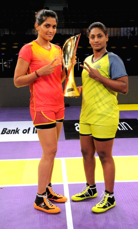 Fire Birds captain Mamatha Poojary and Storm Queens captain Tejaswaini Bai during a ceremony organised to unveil the Pro Kabaddi  League 2016 trophy in Hyderabad on July 30, 2016. - Mamatha Poojary