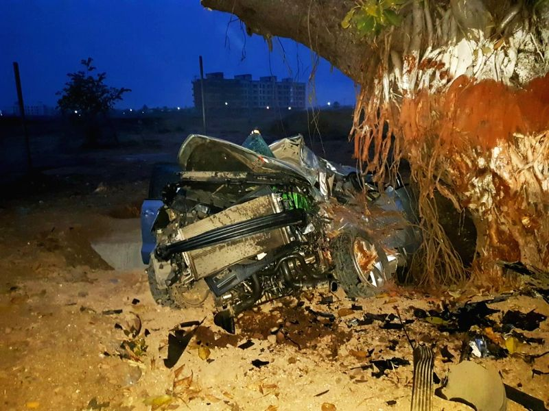 Five persons were killed when their car rammed into a tree at high speed in Palghar, Maharashtra on Feb 7, 2018.