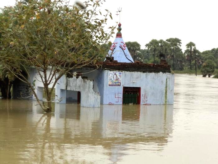 Flood affected Nawada district of Bihar on Aug 18, 2014.