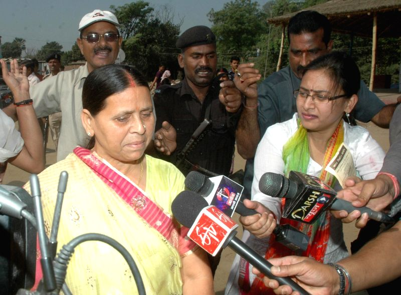 Former Bihar Chief Minister Rabri Devi addresses press after casting her vote during the fifth phase of 2014 Lok Sabha Polls in Patna on April 17, 2014.