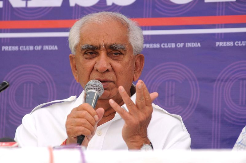 Former BJP leader and Independent candidate from Barmer-Jaisalmer parliamentary seat Jaswant Singh addresses a press conference in New Delhi on May 2, 2014.