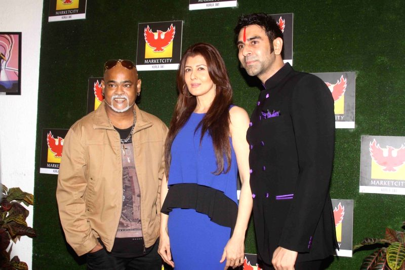 Former cricket player Vinod Kambli, actor Sangeeta Bijlani and choreographer Sandip Soparrkar during the grand finale of of India's first Dance Week Season 4 in Mumbai in Mumbai on May 1, ... - Sangeeta Bijlani