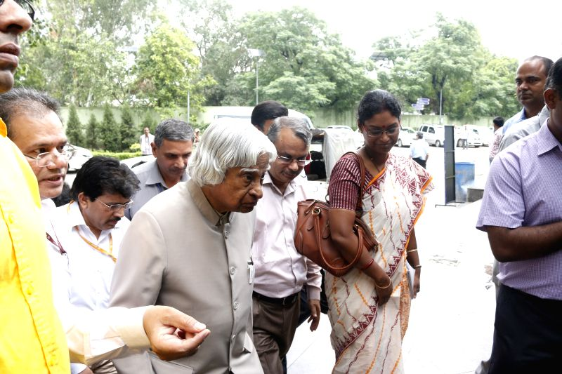 Former president of India A. P. J. Abdul Kalam arrives at the Talkatora Stadium to launch Rashtriya Avishkar Abhiyan in New Delhi, on July 9, 2015.