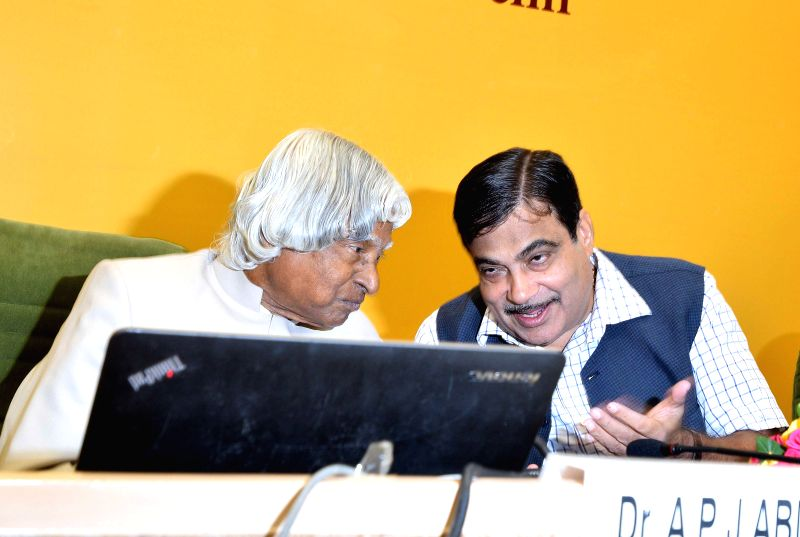 Former President of India A.P.J. Abdul Kalam with Union Minister for Shipping, and Road Transport and Highways Nitin Gadkari at the inauguration of the National Conference of 'Bank of Ideas and ...