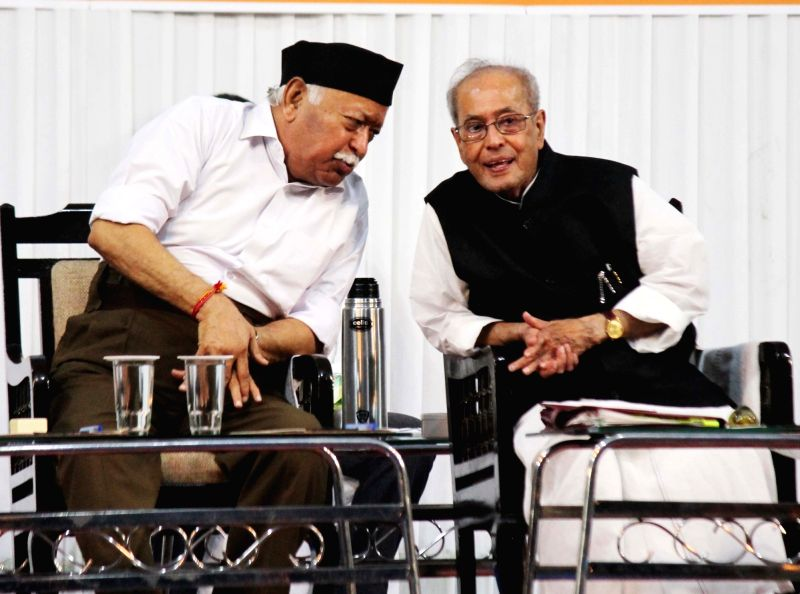 "Former President Pranab Mukherjee and RSS chief Mohan Bhagwat at the concluding function of RSS-organised ""Tritiya Varsh Varg"" in Nagpur on June 7, 2018. - Pranab Mukherjee"