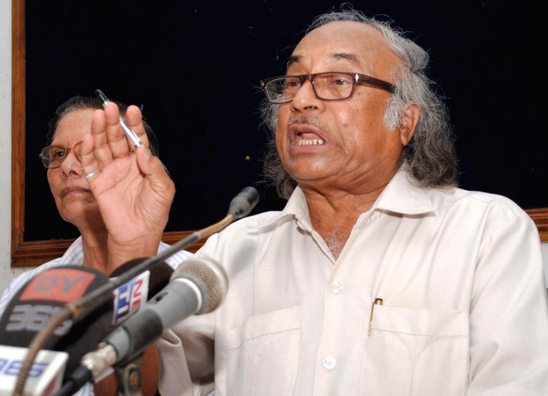 Former publisher of Asom Sahitya Sabha, Bhabani Prasad Adhikari addresses a press conference in Guwahati on Aug 7, 2014.