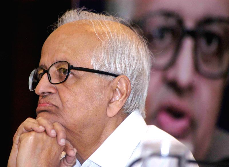 Former Reserve Bank of India Governor Bimal Jalan during a programme on ' State of India n Economy-Politics and Governance' in Kolkata on April 14, 2014.
