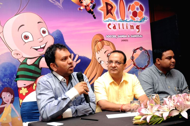 Founder and Managing Director of Green Gold Rajiv Chilaka and Executive Director of Green Gold Samir Jain during a press conference in Hyderabad on April 24, 2014. - Gold Samir Jain
