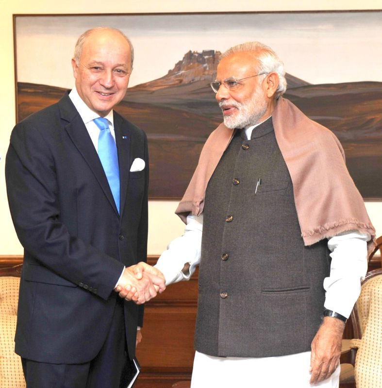France Foreign Minister Laurent Fabius calls on the Prime Minister Narendra Modi, in New Delhi on Nov 20, 2015. - Laurent Fabius and Narendra Modi