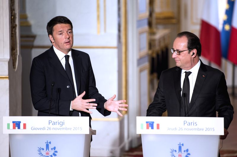 French President Francois Hollande (R) and  Italian Prime Minister Matteo Renzi attend a press conference in Paris, France on Nov. 26, 2015. Visiting Italian Prime ... - Matteo Renzi