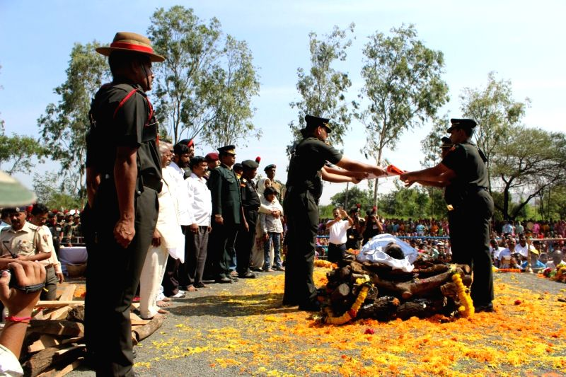 Funeral of Colonel Santosh Mahadik underway in Satara of Maharashtra on Nov 19, 2015.